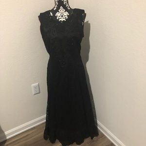 Reba Black laced dress